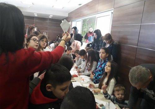 Praznični program za decu korisnika i zaposlenih na Veletržnici Beograd