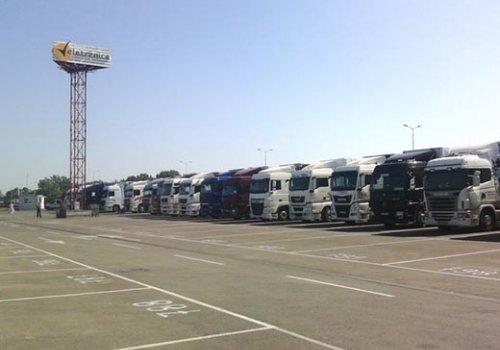 Otvoren parking terminal za teretne kamione
